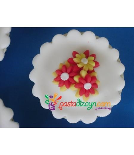 Çiçek Temalı Cupcake Seti