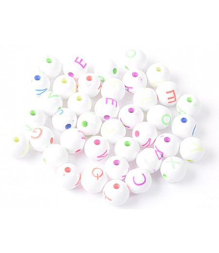 Bileklik için beyaz renkli plastik boncuk harfler